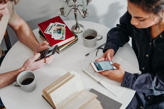 5 Tip Menyesuaikan Kebiasaan Keuangan Pengantin Baru